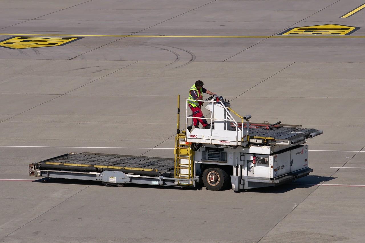 Auxiliar de movimentação de carga – homem de área (Profissionalizante) (40 horas)